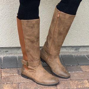 NIB Tan Burnished Toe Knee High Riding Flat Boots